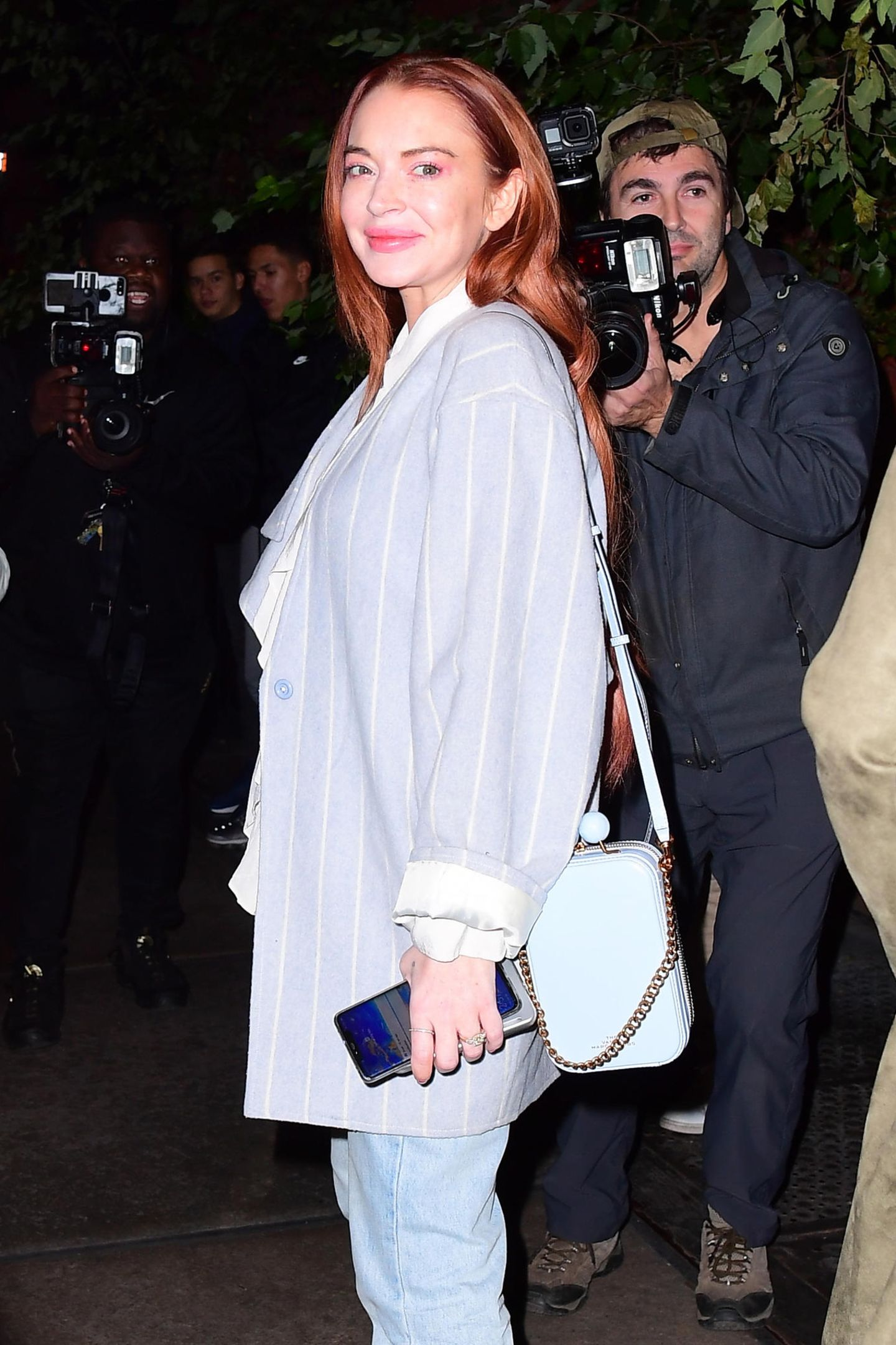 Im Oktober 2019 zeigt sich Lindsay Lohan mit deutlich voluminöseren Lippen und superstraffen Gesichtszügen. Ihr natürliches Aussehen will die Schauspielerin offenbar beim Beauty-Doc optimieren – mit einem fragwürdigen Ergebnis.