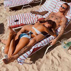 """24. Oktober 2019  """"Das einzig Gute am Sommer"""" schreibt Sophia Thomalla auf Instagram zu dem schönen Paarfoto mit ihrem Loris Karius aus sonnigen Tagen."""