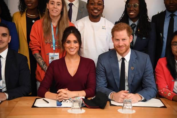 25. Oktober 2019  Prinz Harry begleitet seine Frau Herzogin Meghan zu einer Diskussionsrunde zum Thema Geschlechtergleichheit auf Schloss Windsor.