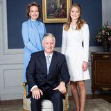 Von seiner Frauund nun volljährigen Tochter wird König Philippe in die Mitte genommen.