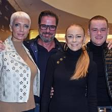 Britt Jolig, Alex Jolig, Jenny Elvers und Paul Jolig