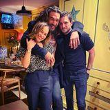 """Dass die Ex-Serien-""""Geliebten"""" Jason Momoa und Kit Harington jetzt mit ihr den 33. Geburtstag feiern, scheint Emilia Clarke besonders zu freuen. Es ist doch schön, wenn die Männer sich gut verstehen."""