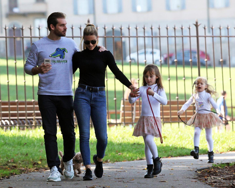 27. Oktober 2019  Was gibt es Schöneres als ein Sonntagsspaziergang bei herbstlichem Sonnenschein? Familie Hunziker genießt das hier in Bergamo.