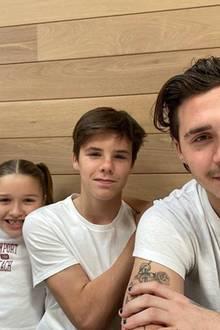 27. Oktober 2019  Mit diesem Bild der fantastischen vier Beckham-Kids schickt Mama Victoria ihren Instagram-Fans sonnige Sonntagsgrüße aus Amerika.