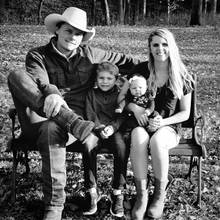 Ned LeDoux im Jahr 2017 mit Ehefrau Morgan und den Kindern Branson und Haven