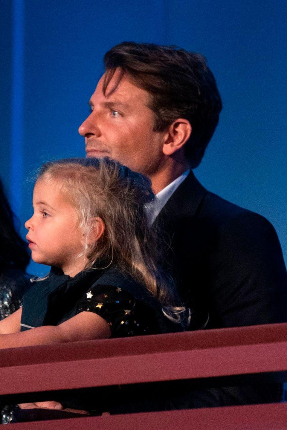 Bradley Cooper mit Tochter Lea De Seine Shayk Cooper zu Gast bei der Mark Twain Prize Gala in Washington D.C.