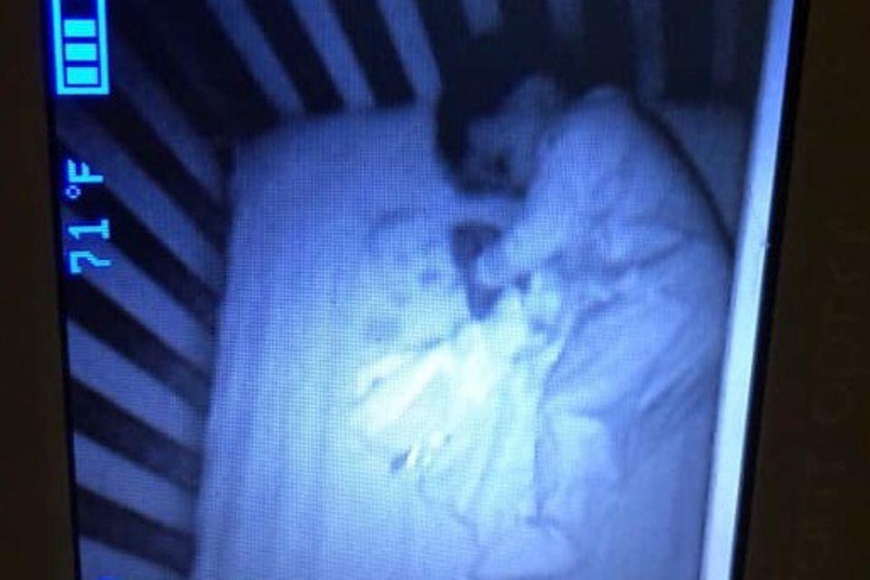 Geist im Babybett
