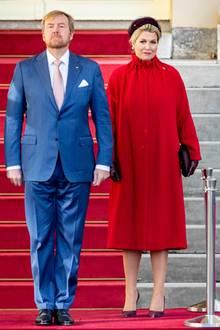 Achtung stillgestanden - beim Besuch des polnischen PräsidentenAndrzej Duda zeigt sich KönigWillem-Alexander ganz in seiner Rolle. Hingucker des Gipfeltreffens war jedoch seine Frau Königin Máxima.