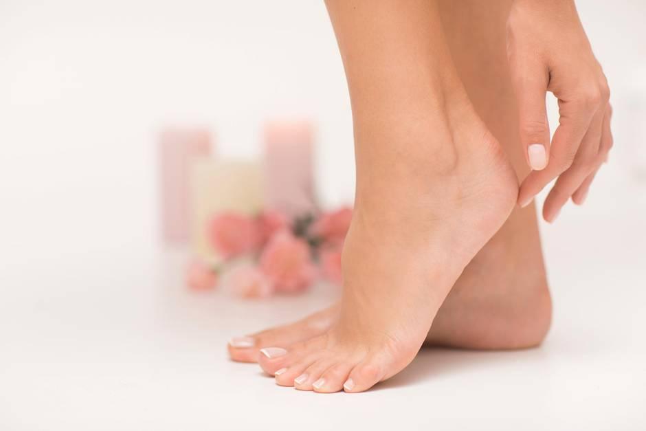 Sommer wie Winter gepflegte und schöne Füße? Machen Sie Ihre Pediküre doch einfach selber!
