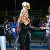 Blac Chyna punktet mit ihrem individuellen Halloween-Kopfschmuck.