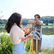 Denise (Helen Barke, l.) und Joshua (Julian Schneider, r.)