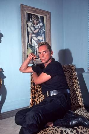 16. Juli 1997  Joop umgibt sich gerne mit schönen Dingen und großartiger Kunst. Werke des Art-Decó-Stars Tamara de Lempicka schmücken seine Wohnung in New York.