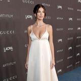 Camila Morrone könnte auch als besonders verführerische Braut durchgehen. Ihr Freund Leonardo DiCaprio ist seit Jahren zusammen mit Designerin Eva Chow Vorsitzender der LACMA-Gala.