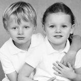 4. November 2019  Auf Instagram veröffentlicht FürstinCharlène Schulfotos von ihren Kindern Prinz Jacques und Prinzessin Gabriella.