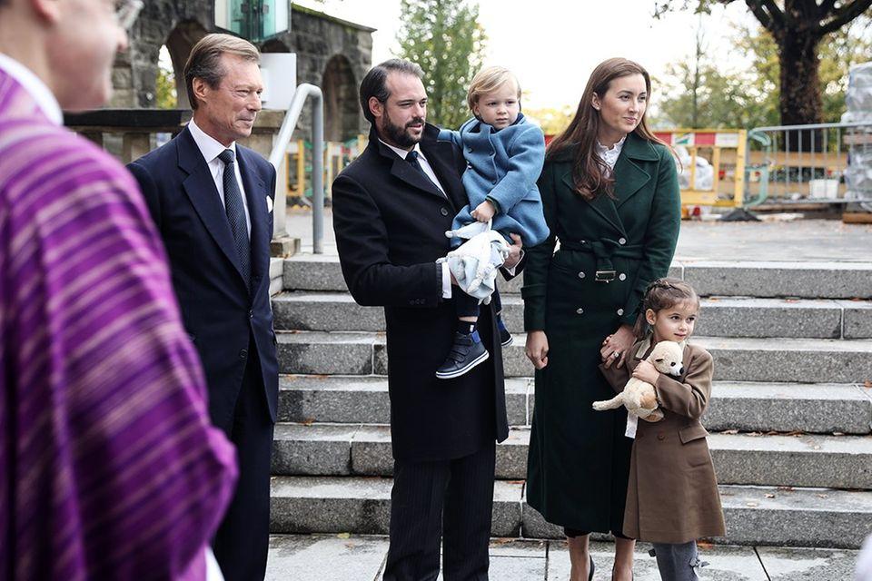 2. November 2019  Gemeinsam mit ihren Kindern Liam und Amalia nehmen Prinz Félix und Prinzessin Claire an einer Messe im Mariendom teil, um verstorbenen Mitgliedern der großherzoglichen Familie zu gedenken.