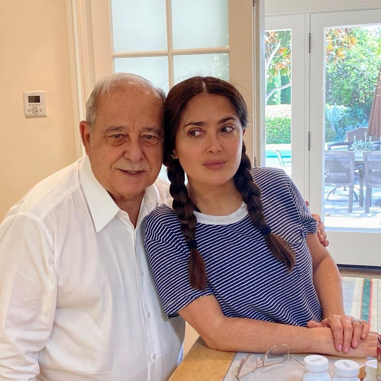 """Salma Hayek gratuliert ihrem Vater mit diesem Bild auf Instagram zum 82. Geburtstag. Zu dem Foto schreibt die Schauspielerin: """"Vielen Dank für die libanesischen Gene""""."""