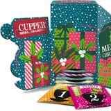 Der Tee-Adventskalender von Cupper bietet mit 12 x 2 verschiedenen Sorten (wie z. B. Be Happy, Keep Calm oder Cranberry & Raspberry) Geschmacksvielfalt für besinnliche Momente in der mitunter stressigen Vorweihnachtszeit, kostet ca. 4 Euro.
