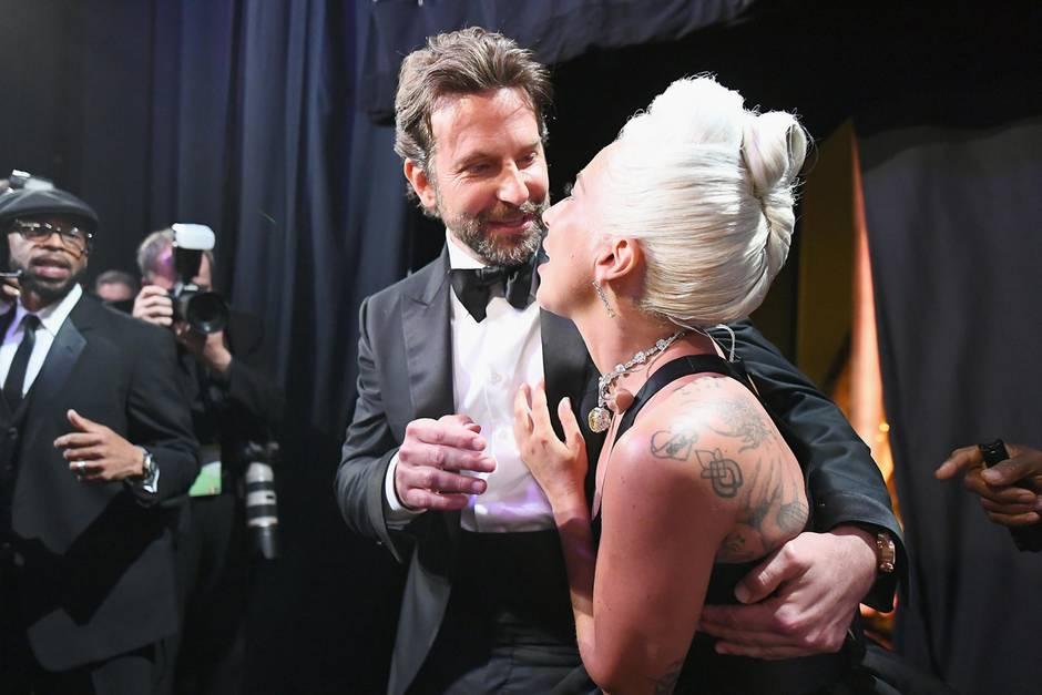 Perfekte Inszenierung: Lady Gaga zerstreut Gerüchte um Liebe zu Bradley Cooper