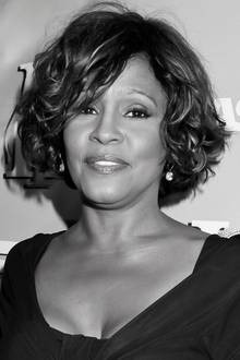 Whitney Houston (†)