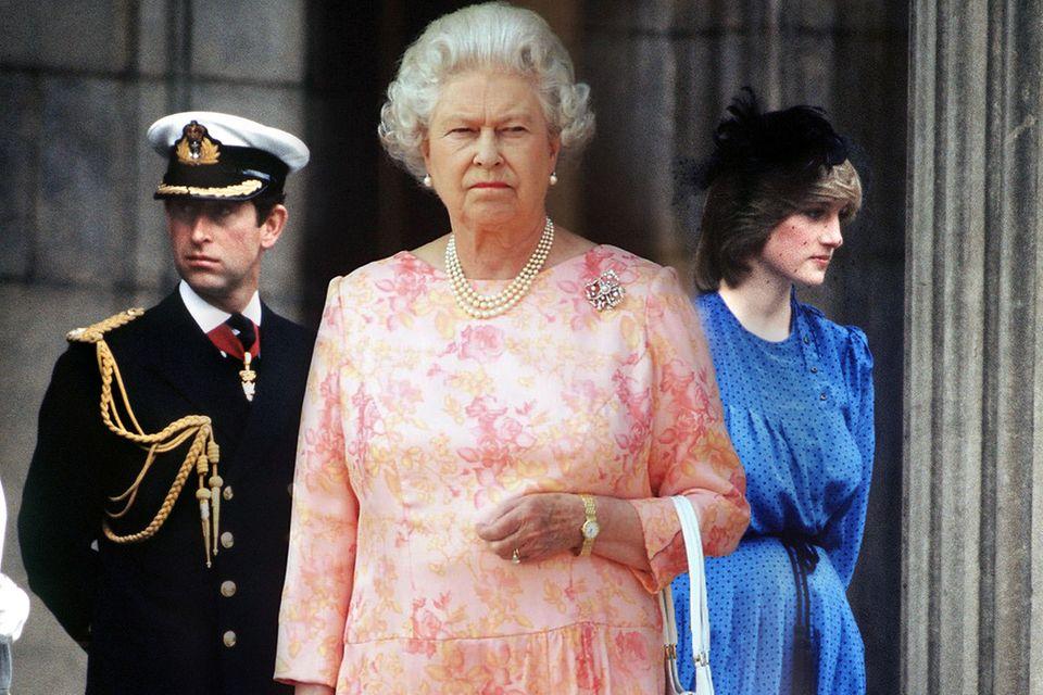 Prinz Charles, Queen, Elizabeth, Prinzessin Diana
