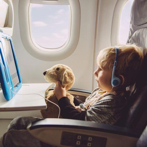 Kinder werden immer häufiger mit iPads von ihrer Langeweile abgelenkt.