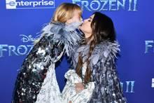 Selena Gomez und Gracie Teefey
