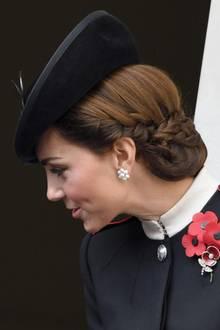 Die kunstvoll hochgesteckten Haare von Herzogin Catherine zogen alle Blicke auf sich.