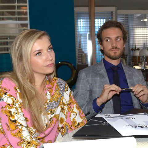 Brenda versucht ihre private Ebene zu Felix in der Firma auszunutzen