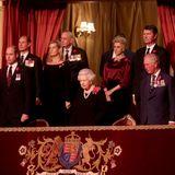 """9. November  Queen Elizabeth und ihre Familie sindam Samstagabend in die Royal Albert Hall in London eingeladen. Dort ehren Premierminister Boris Johnson undhochrangige Mitgliederdes Militärs beim """"Festival of Remembrance"""" Mitglieder der Streitkräfte, die für die Verteidigung Großbritanniens und der Commonwealth-Saaten ihr Leben gelassen haben."""