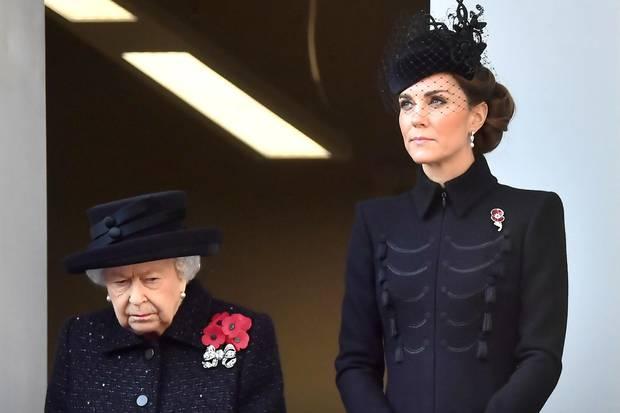 """Queen Elizabeth und Herzogin Kate gemeinsam beim """"Remembrance Sunday"""""""