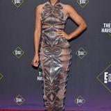 Kelly Rowland spielt in diesem Kleid von Iris Van Herpen mit den Sinnen.
