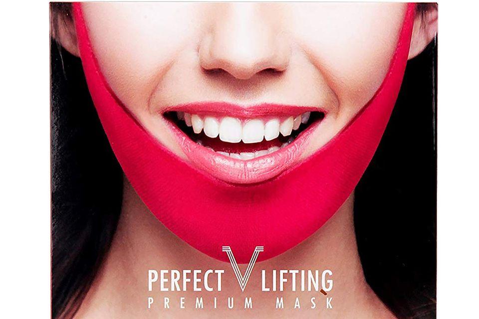 Redakteurin Ilka sagt ihrem Doppelkinn den Kampf an und testet dieAvajar Perfect V Lifting Premium Mask.