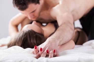 Eine Studie enthüllt: Aus diesen Gründen betrügen Frauen ihren Partner