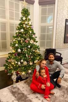 """""""Oh Tannenbaum"""" heißt es schon Anfang November bei Familie Ecclestone-Rutland!Die Fans finden's komisch -Tamara, Jay und Sophia ist das aber egal."""