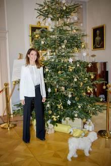 9. November 2019  Prinzessin Marie von Dänemark eröffnet die Weihnachtsausstellung auf SchlossSchackenborg, das sie selbst auch teilweise mit ihrem Mann Prinz Joachim, den Kindern und Hund Cerise bewohnt.