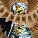 """12. November 2019  Huch, Stéphanie von Luxemburg gleich doppelt! Die Erbgroßherzogin besucht anlässlich der""""Luxembourg Art Week"""" eineAusstellung des """"Cercle Artistique""""im Kulturzentrum Tramsschapp."""