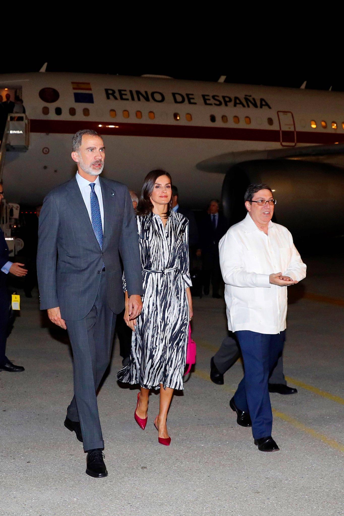 Stylishe Ankunft: So landeten Felipe und Letizia in Havanna.