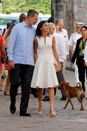 So lässig sieht man das spanische Königspaar selten.