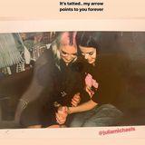 Diese Freundschaft geht unter die Haut. Selena Gomez und ihre beste Freundin Julia Michaels haben sich Matching-Tattoos stechen lassen und lassen ihre Instagram-Follower daran teilhaben.
