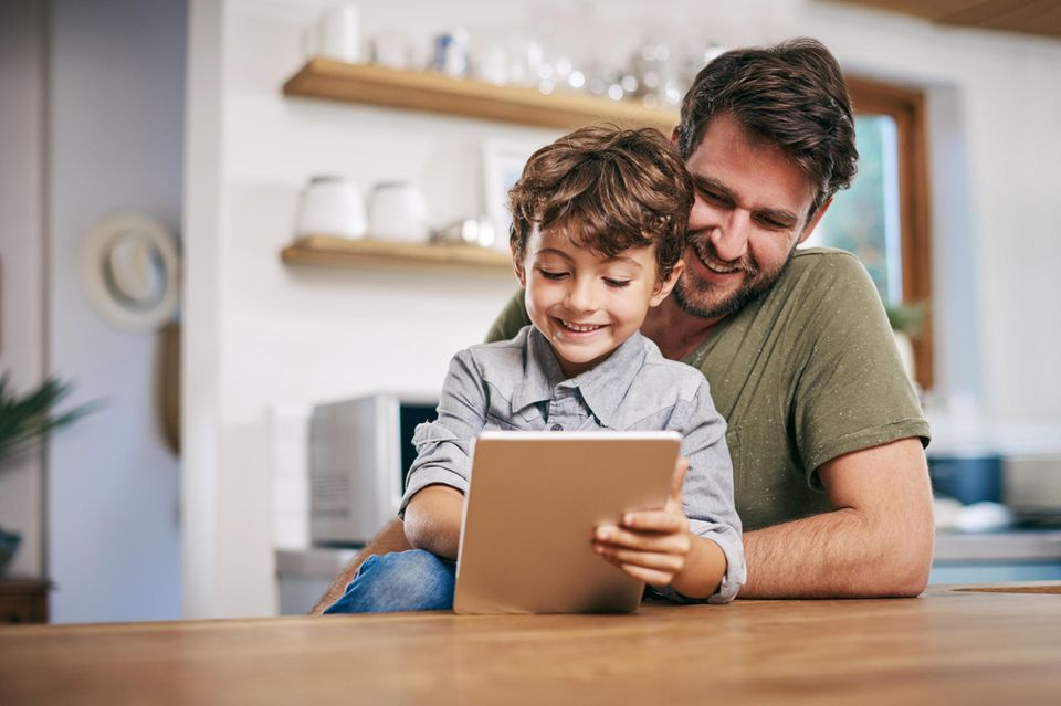 Digitales Lernen erfreut Kinder und Erwachsene