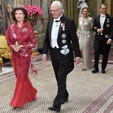 Schwedische Königsfamilie: 12. November 2019 Am Dienstagabend lädt die schwedische Königsfamilie zu einem repräsentativen Abendessen ins Stockholmer Schloss. König Silvia schreitet an der Seite von König Carl Gustaf voran, gefolgt vom Kronprinzenpaar.