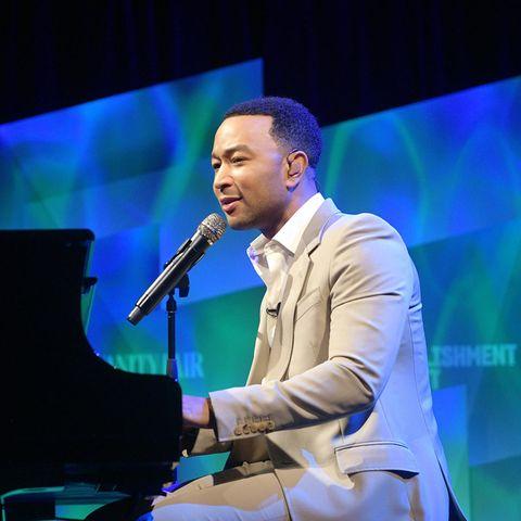"""2019: John Legend  Er ist nicht nur gutaussehend, sondern auch talentiert. Mit dem Megahit """"All of You"""" wurde Musiker John Legend zum Superstar. Nun hat ihn das People-Magazin zum """"Sexiest Man Alive"""" gekürt."""