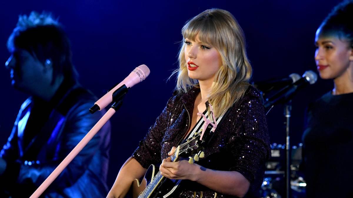 Taylor Swift: Sie darf ihre eigenen Lieder nicht singen - Gala.de