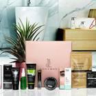 Foxy Box und alle enthaltenen Beauty-Produkte davor