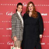 Gala Christmas Shopping Night 2019: Frauenpower auf dem Red Carpet: Model und Schauspielerin Katrin Wrobel kommt mit Plus Size Bloggerin Tanja Marfo.