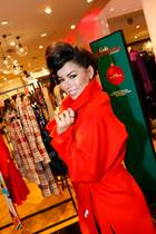 Gala Christmas Shopping Night 2019: Fernanda Brandao kommt im feurigen GALA-Rot – we like!
