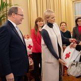 15. November 2019  Fürst Albert und Gattin Charlène von Monaco verteilenim Rahmen der Feierlichkeiten zum Nationalfeiertag Monacos Geschenkean Bedürftige beim Roten Kreuz.
