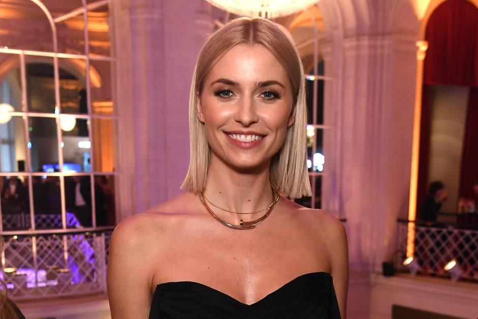 Lena Gercke: Busenblitzer-Schock bei Model - GNTM-Star gewährt tiefe Einblicke | People
