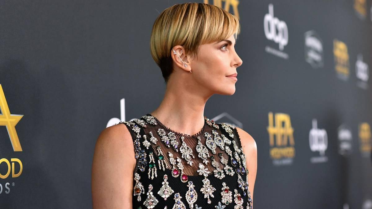 Bowl Cut: So cool ist der Look von Charlize Theron