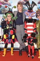 """17. November 2019  Bunt geht es zu im Berliner Friedrichstadtpalast: Bei der Young Show""""Im Labyrinth der Bücher"""", gespielt von Kindern für Kindern, gesellt sich Schauspielerin Heike Makatsch zu den kleinen Fantasiewesen."""